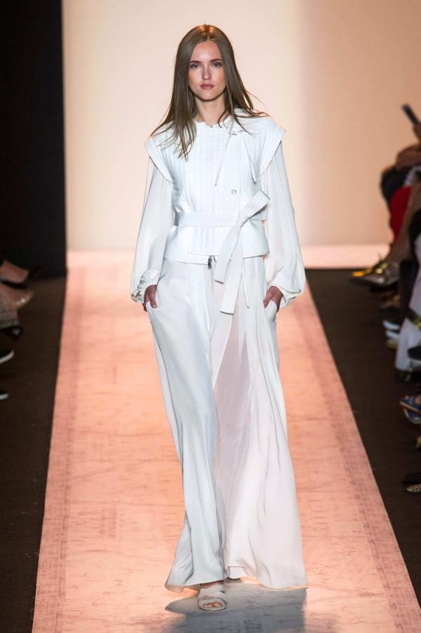 纽约时装周穿搭术 跟秀场学时尚