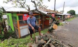 斐济飓风致20人死亡