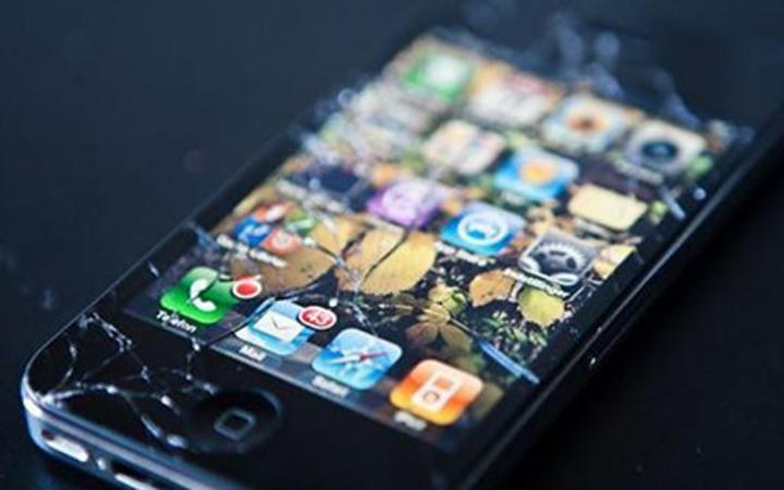 手机碎屏?逆天材料让碎屏自动愈合!