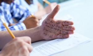 高考冒名顶替事件频发,高考的英语怎么说?