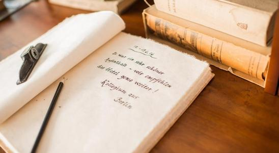book的过去式是什么?book的用法和例句