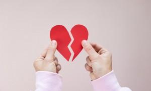"""原来心真会""""碎"""",心碎综合征是种什么病?"""